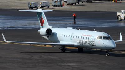 C-GKEW - Bombardier CRJ-200LR - Air Canada Express (Jazz Aviation)