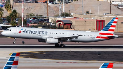 A picture of N579UW - Airbus A321231 - American Airlines - © Centex Spotter