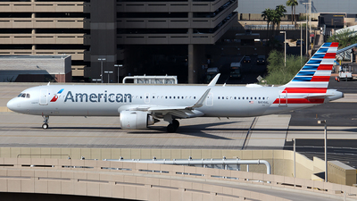 A picture of N414AL - Airbus A321253NX - American Airlines - © Huy Do