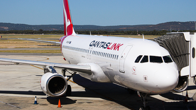 VH-UVP - Airbus A320-232 - QantasLink (Network Aviation)