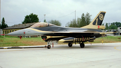 FA-110 - General Dynamics F-16A Fighting Falcon - Belgium - Air Force