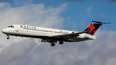 N944AT - Boeing 717-2BD - Delta Air Lines