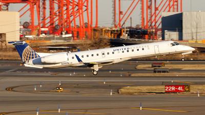 A picture of N11176 - Embraer ERJ145XR - United Airlines - © Oliver Richter