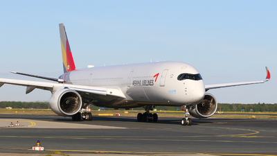 HL8381 - Airbus A350-941 - Asiana Airlines