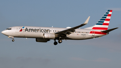 A picture of N835NN - Boeing 737823 - American Airlines - © PAUL LINK