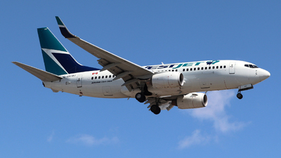 A picture of CGVWJ - Boeing 7377CT - WestJet - © Guy Langlois
