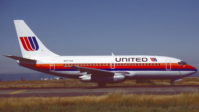 N977UA - Boeing 737-291(Adv) - United Airlines