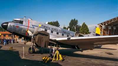 FAC1670 - Douglas C-47A Skytrain - Colombia - Air Force