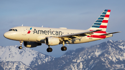 A picture of N724UW - Airbus A319112 - American Airlines - © Michael Rodeback