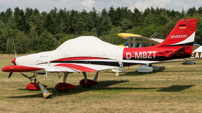 D-MBZT - Breezer B600 - Private
