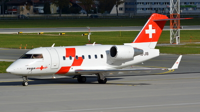 A picture of HBJRB - Bombardier CL604 Challenger - Swiss AirAmbulance - © Maximilian Gruber