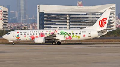 B-5425 - Boeing 737-89L - Air China