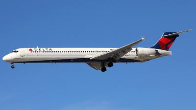 N920DN - McDonnell Douglas MD-90-30 - Delta Air Lines