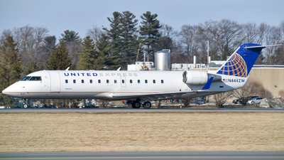 A picture of N444ZW - Mitsubishi CRJ200LR - United Airlines - © Hudson Garber