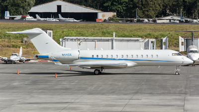 N44GX - Bombardier BD-700-1A10 Global Express - Private