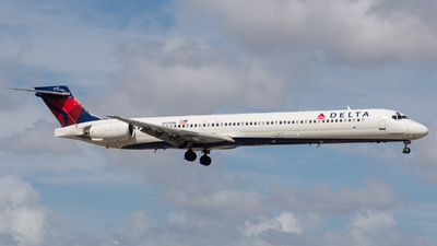 N938DN - McDonnell Douglas MD-90-30 - Delta Air Lines