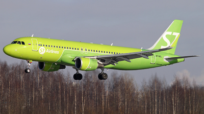 A picture of VPBOL - Airbus A320214 - S7 Airlines - © Malyshev Andrei