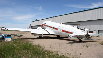 C-FBAE - Douglas DC-3C - Buffalo Airways