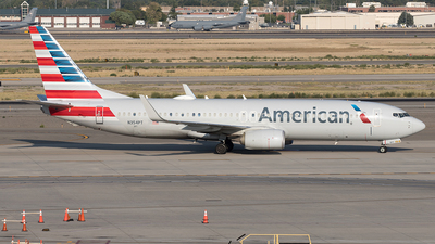 A picture of N354PT - Boeing 737823 - American Airlines - © Yixin Chen