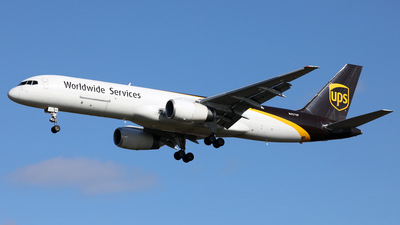 A picture of N457UP - Boeing 75724APF - UPS - © Len Schwartz