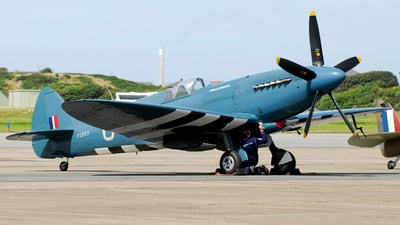 G-MXIX - Supermarine Spitfire PR.19 - Private
