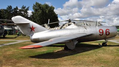 96 - Mikoyan-Gurevich MiG-15UTI Midget - Belarus - Air Force