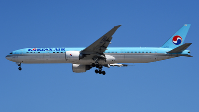 A picture of HL7203 - Boeing 7773B5(ER) - Korean Air - © Rocky Wang