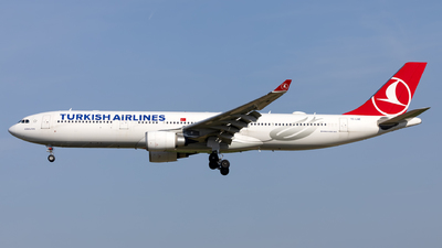 A picture of TCLNE - Airbus A330303 - Turkish Airlines - © Kris Van Craenenbroeck