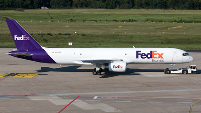 A picture of N915FD - Boeing 757236(SF) - FedEx - © Sierra Aviation Photography