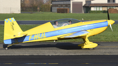 A picture of FHLIL - Extra EA300/200 - [018] - © diopere geert