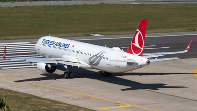 A picture of TCLSG - Airbus A321271NX - Turkish Airlines - © Alperen Yeni