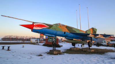 1810 - Mikoyan-Gurevich MiG-21M Fishbed J - Poland - Air Force
