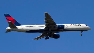 N6716C - Boeing 757-232 - Delta Air Lines