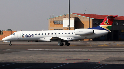 ZS-ALY - Embraer ERJ-140 - Airlink