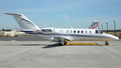 N525B - Cessna 525B CitationJet 3 - Private