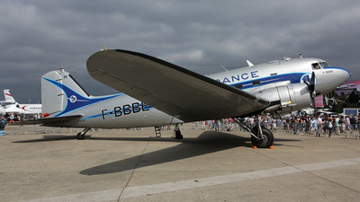 F-AZTE - Douglas DC-3 - Private