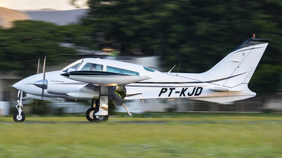 PT-KJD - Cessna 310Q - Private
