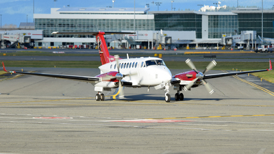 C-FNTA - Beechcraft B300 King Air 350 - Northern Thunderbird Air