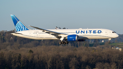 N23983 - Boeing 787-9 Dreamliner - United Airlines