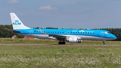 A picture of PHEZZ - Embraer E190STD - KLM - © Julian Mittnacht