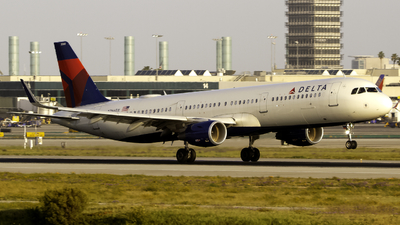 A picture of N366DX - Airbus A321211 - Delta Air Lines - © Andrew Seong