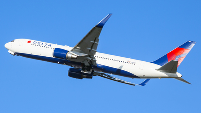 N1603 - Boeing 767-332(ER) - Delta Air Lines
