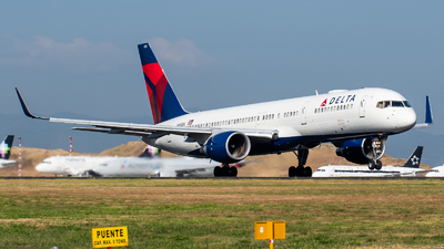 A picture of N693DL - Boeing 757232 - Delta Air Lines - © Juan Pablo MS