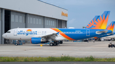 N295NV - Airbus A320-214 - Allegiant Air