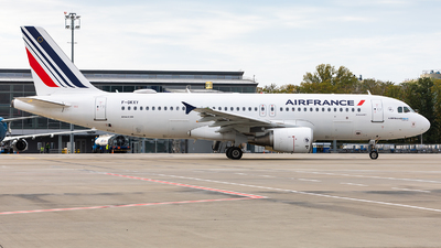 A picture of FGKXY - Airbus A320214 - Air France - © IhorKolesnyk