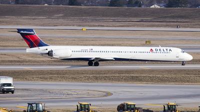N944DN - McDonnell Douglas MD-90-30 - Delta Air Lines