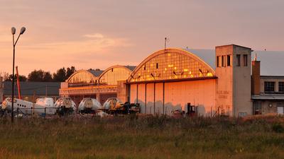 EPML - Airport - Hangar