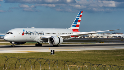 A picture of N819AN - Boeing 7878 Dreamliner - American Airlines - © Haocheng Fang