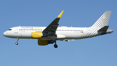 A picture of ECLZN - Airbus A320214 - Vueling - © Romain Salerno / Aeronantes Spotters