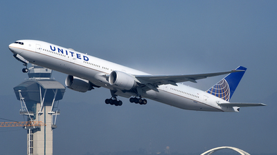 A picture of N2142U - Boeing 777322(ER) - United Airlines - © Rocky Wang